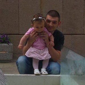 Семейство за майстор Петър Драганов е всичко, особено неговата дъщеря Габриела