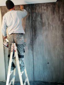 Полагане на състарен арт бетон от майстор - мазилка, с материали Енкаусто Фиорентино на Спивер.
